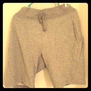 Adidas Gray Sweat-Shorts - Large